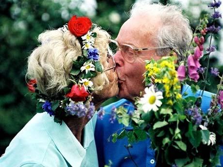 Kiss_midsummer_sweden2